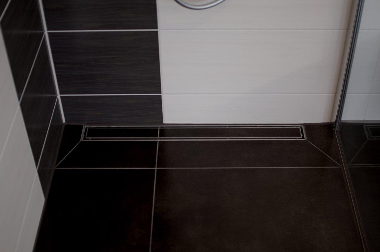 Full Size of Ebenerdige Dusche Hietzschold Galerie Fliesenleger Grohe Thermostat Breuer Duschen Walkin Haltegriff Bodengleiche Fliesen Hüppe Kleine Bäder Mit Rainshower Dusche Dusche Ebenerdig