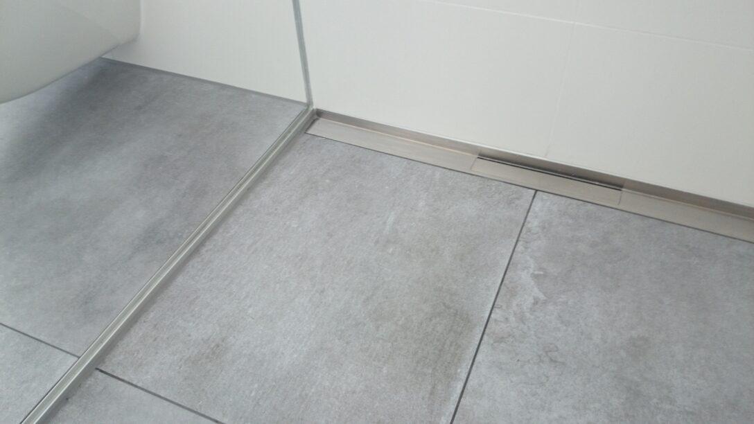 Large Size of Fliesen Dusche Rutschfest Schwarze Reinigen Bodengleiche Mosaik Rutschfeste Bauhaus Bad In Der Dunkle Schimmel Streichen Versiegeln Mit Einhebelmischer Walk Dusche Fliesen Dusche