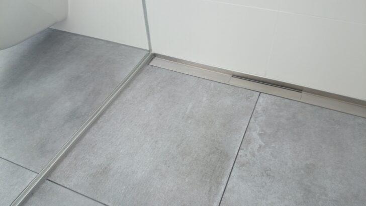 Medium Size of Fliesen Dusche Rutschfest Schwarze Reinigen Bodengleiche Mosaik Rutschfeste Bauhaus Bad In Der Dunkle Schimmel Streichen Versiegeln Mit Einhebelmischer Walk Dusche Fliesen Dusche