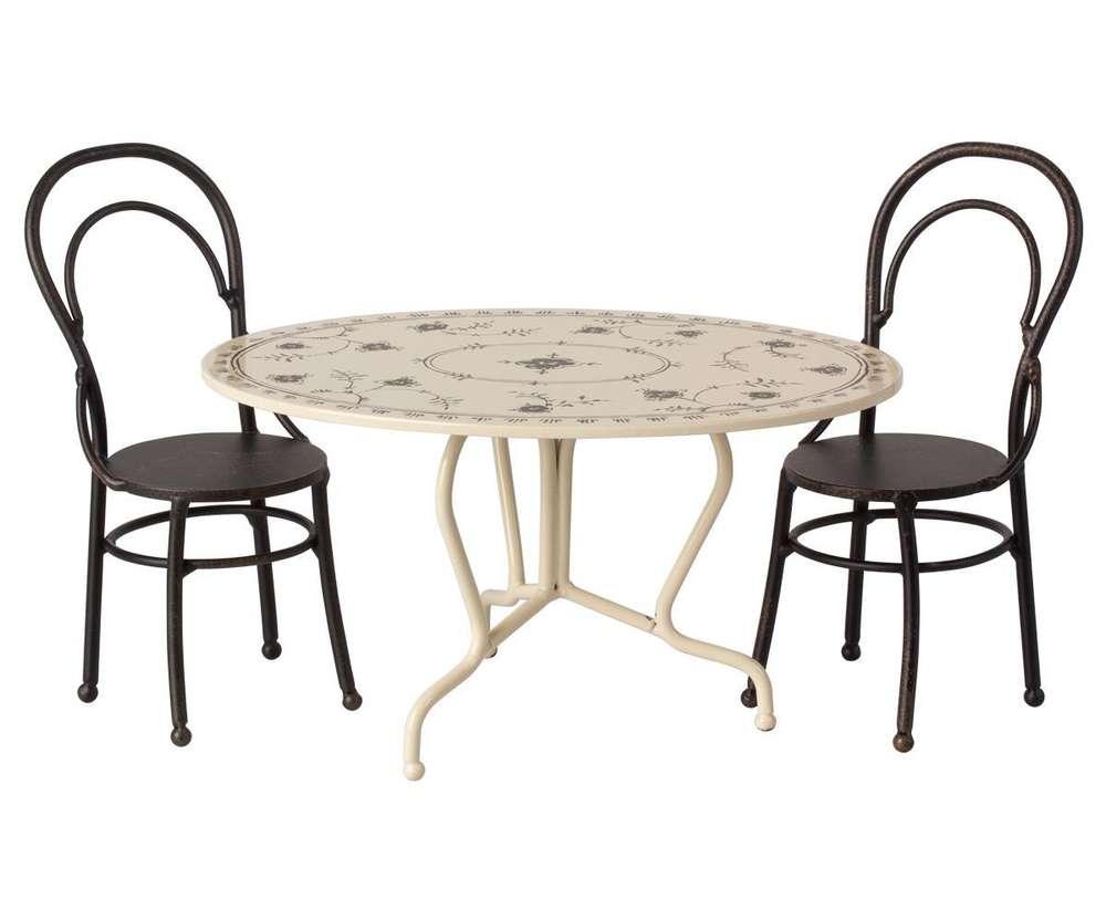 Full Size of Esstisch Mit Stühlen Maileg Set Sitzgruppe Tisch Und Zwei Sthle Metall Dinin Eckküche Elektrogeräten Bett Aufbewahrung Spiegelschrank Bad Beleuchtung Lampen Esstische Esstisch Mit Stühlen