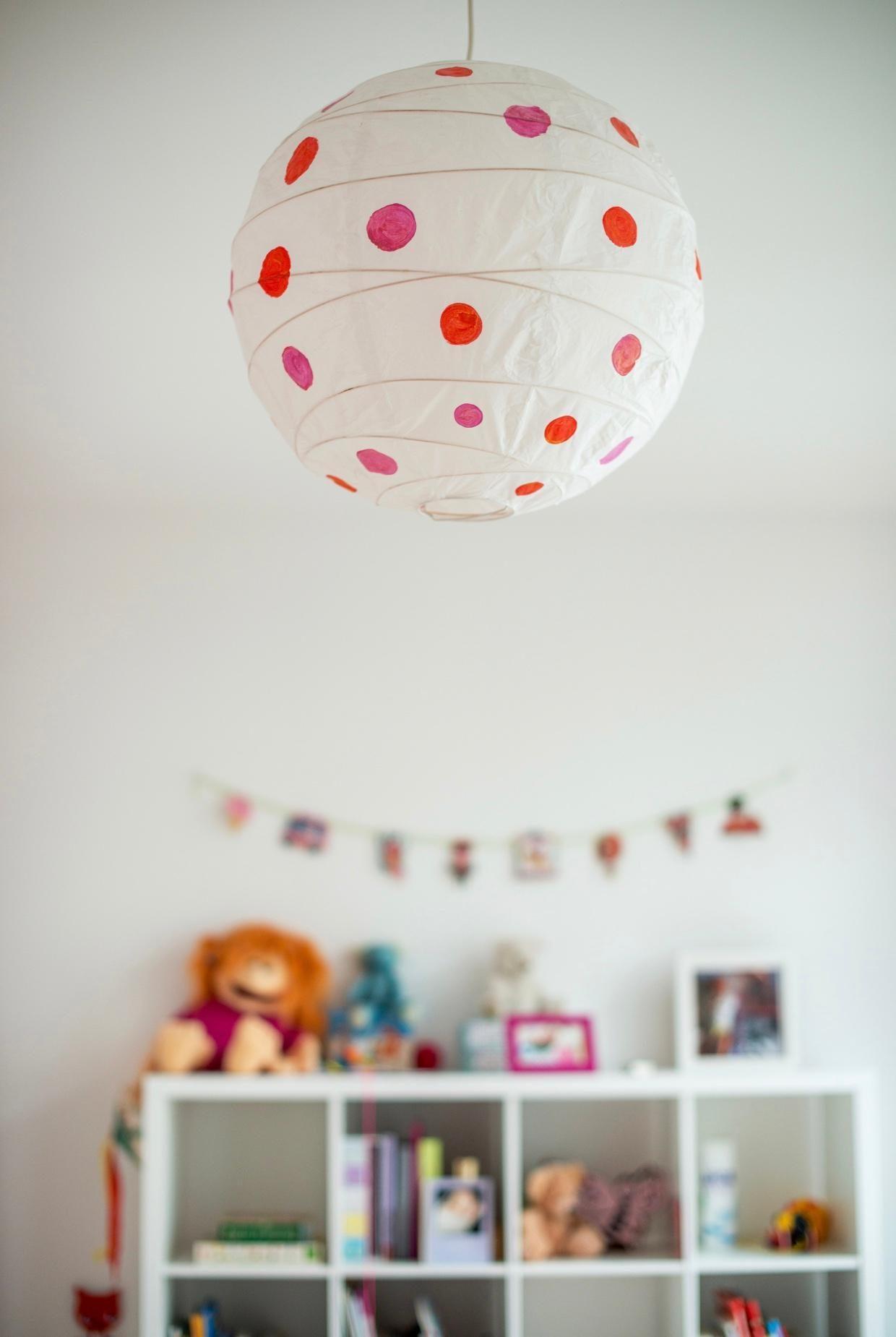 Full Size of Lampen Für Kinderzimmer Happy Dots Lampe Diy Mdchenzimm Folie Fenster Boden Badezimmer Stehlampen Wohnzimmer Sofa Esstisch Led Deckenlampen Sichtschutzfolien Kinderzimmer Lampen Für Kinderzimmer