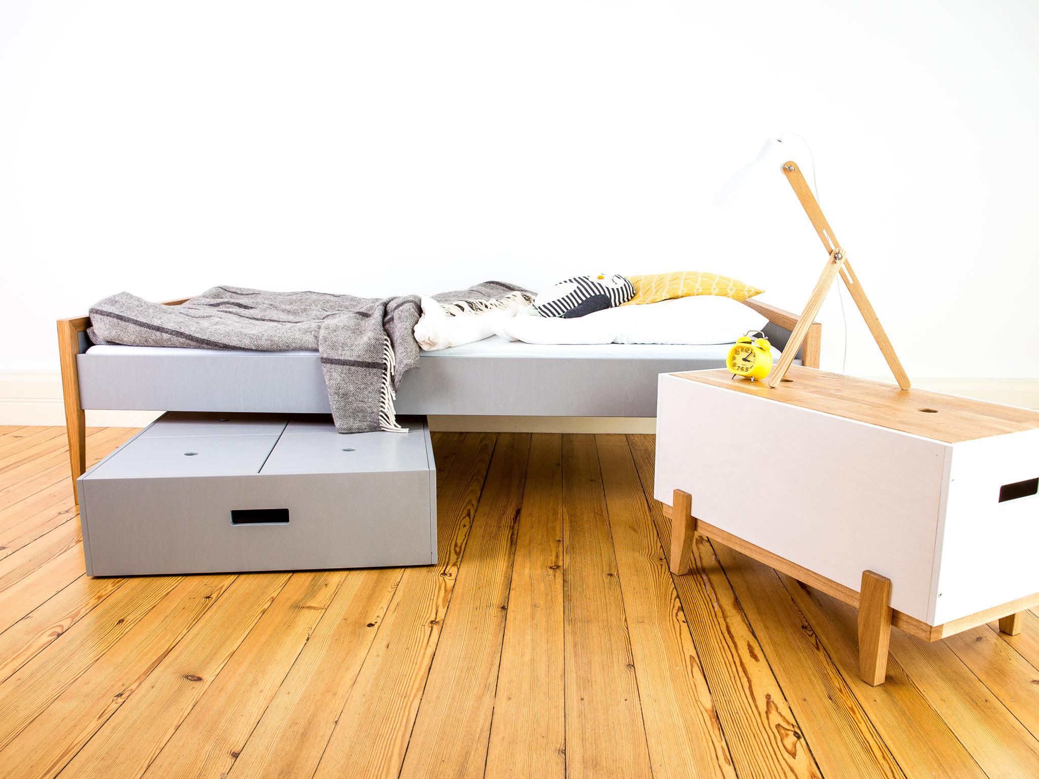 Full Size of Nachttisch Kinderzimmer Kiste Anuschka Lutki Kinderwelten Regal Sofa Weiß Regale Kinderzimmer Nachttisch Kinderzimmer