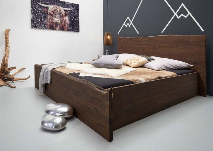 Medium Size of Bett Modern Betten Holz Leader 180x200 Kaufen 140x200 Italienisches Design Puristisch Eiche Beyond Better Sleep Pillow 120x200 Aus Akazie Lackiert Braun Wohnzimmer Bett Modern