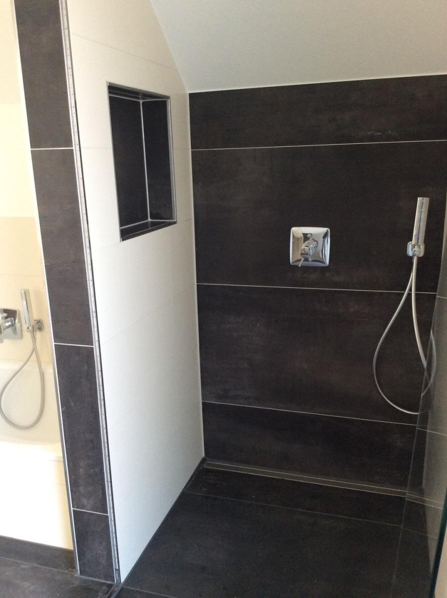 Full Size of Bodengleiche Dusche Fliesen Rutschfest Mosaik Reinigen Fliesenfugen Versiegeln Badezimmer Kalk Dunkle Hausmittel In Der Streichen Rutschhemmung Boden Dusche Fliesen Dusche