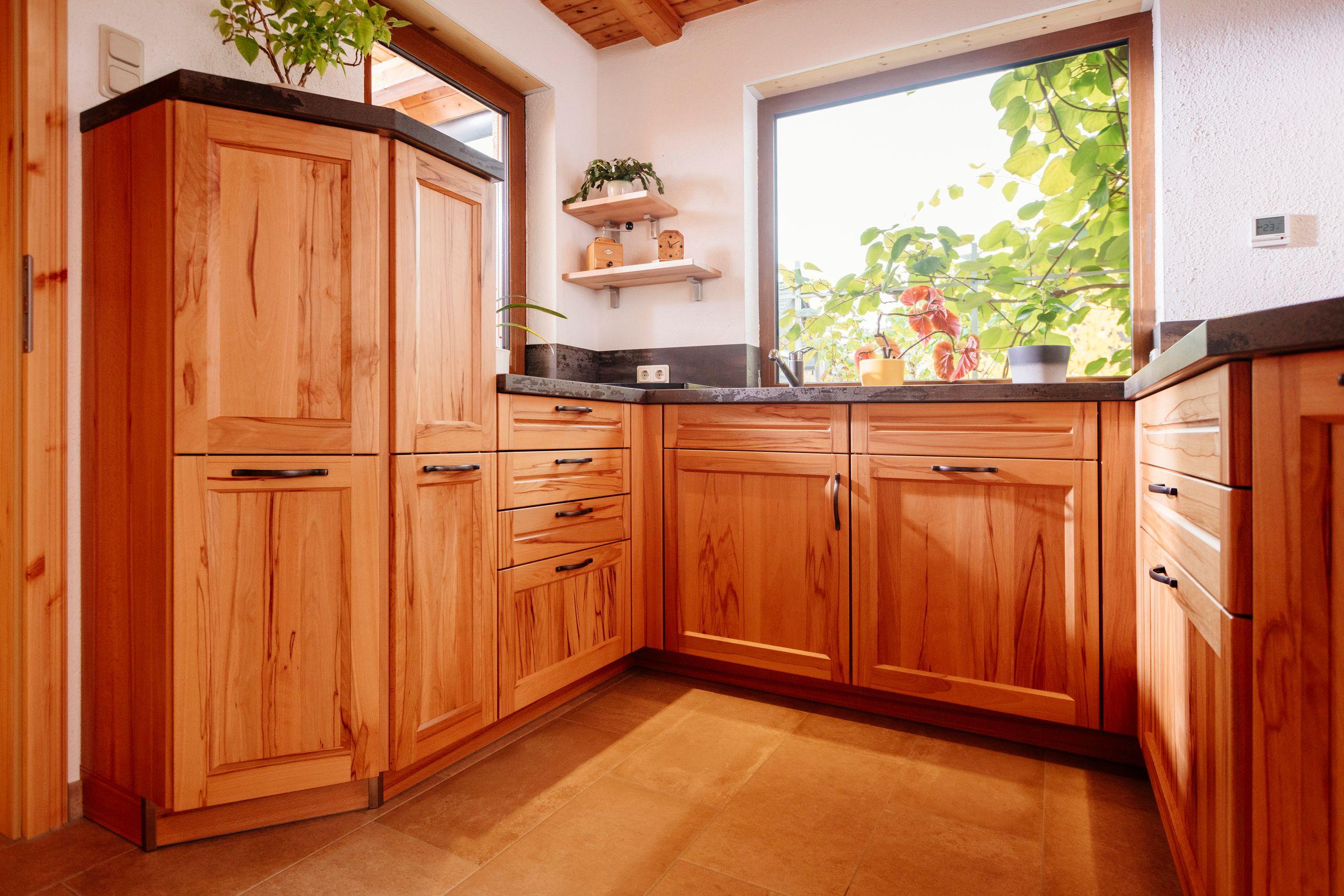 Full Size of Kchenwelten Echtholzkchen Fr Nossen Wohnzimmer Holzküchen