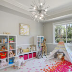 Kronleuchter Kinderzimmer Kinderzimmer Kronleuchter Kinderzimmer Foto Innenarchitektur Spielzeug Design Regale Sofa Regal Schlafzimmer Weiß