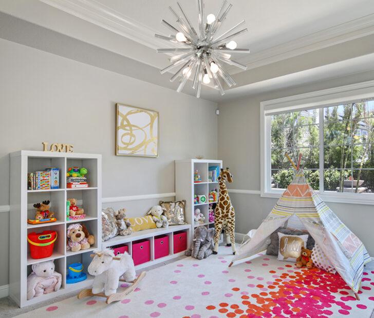 Medium Size of Kronleuchter Kinderzimmer Foto Innenarchitektur Spielzeug Design Regale Sofa Regal Schlafzimmer Weiß Kinderzimmer Kronleuchter Kinderzimmer