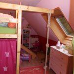Kinderzimmer Prinzessin Kinderzimmer Kinderzimmer Prinzessin Unser Haus Von Msmudia 2693 Zimmerschau Regale Regal Weiß Prinzessinen Bett Sofa
