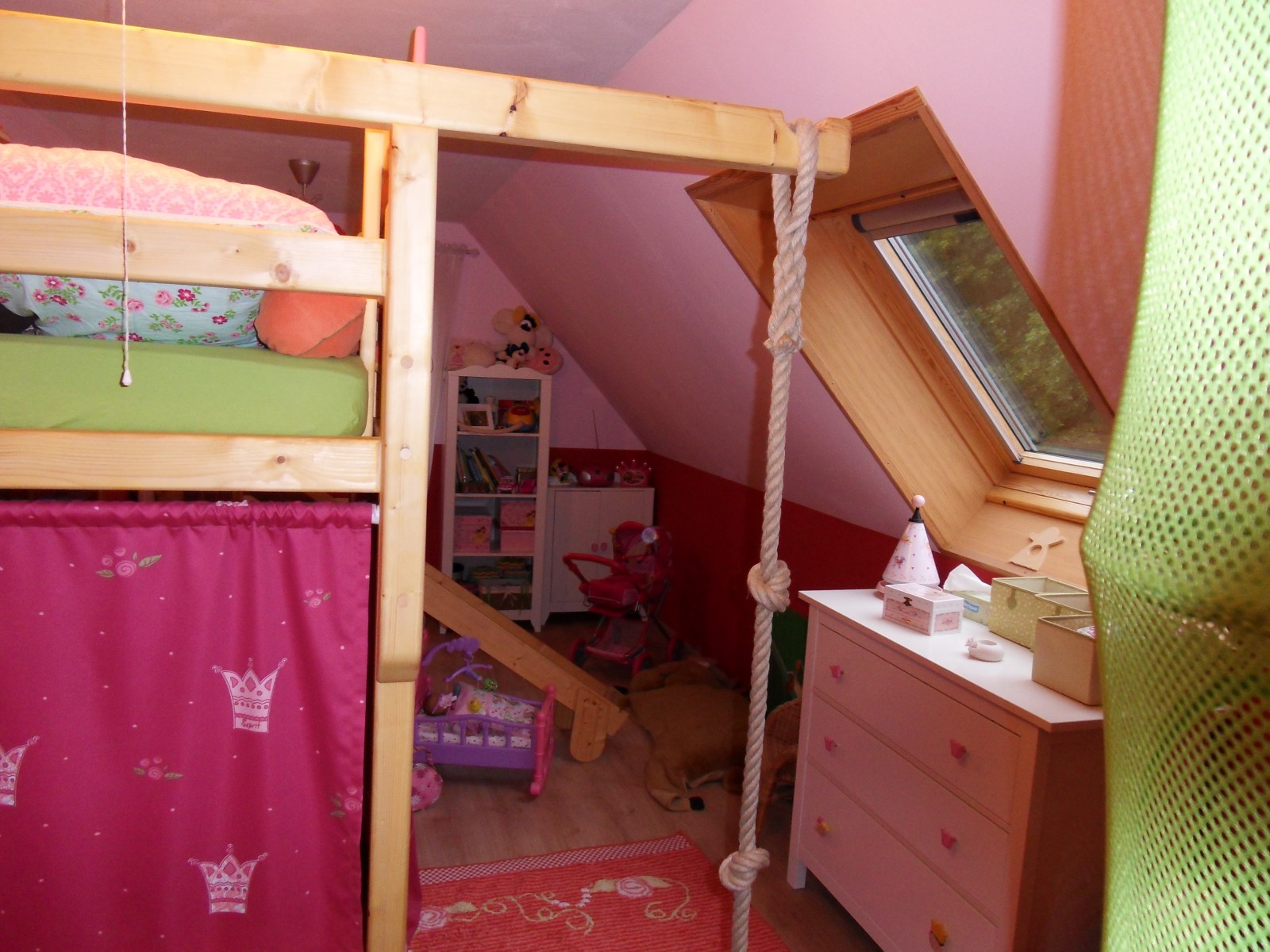 Full Size of Kinderzimmer Prinzessin Unser Haus Von Msmudia 2693 Zimmerschau Regale Regal Weiß Prinzessinen Bett Sofa Kinderzimmer Kinderzimmer Prinzessin