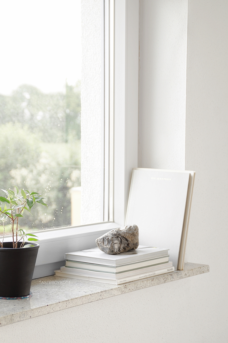 Full Size of Deko Fensterbank Schneller Dekotipp Ein Stein Als Skulptur Badezimmer Wohnzimmer Dekoration Für Küche Schlafzimmer Wanddeko Wohnzimmer Deko Fensterbank