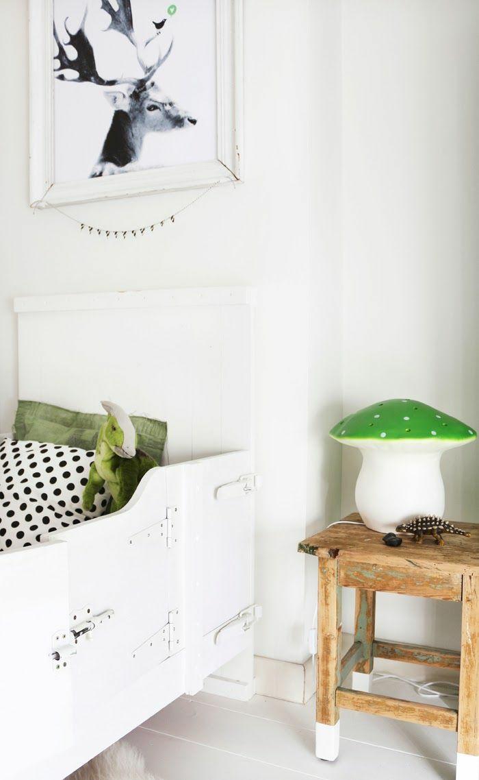 Full Size of Gestaltung Kinderzimmer Ber Das Mit Etwas Mehr Regale Regal Sofa Weiß Kinderzimmer Nachttisch Kinderzimmer