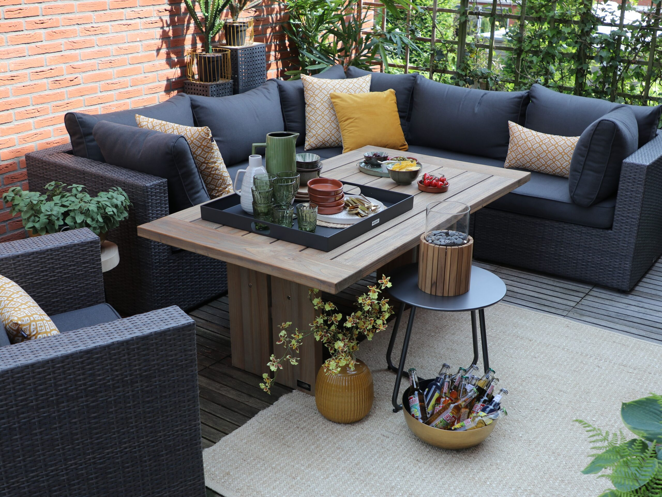 Full Size of Terrassen Lounge Stilvolle Sets Fr Terrasse Der Klassische Garten Möbel Loungemöbel Holz Sofa Set Günstig Sessel Wohnzimmer Terrassen Lounge