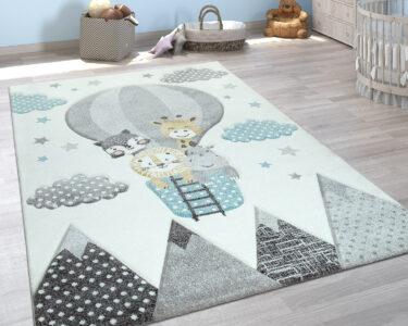 Jungen Kinderzimmer Kinderzimmer Kinderzimmer Teppich Heiluftballon Wolken Teppichde Sofa Regal Regale Weiß
