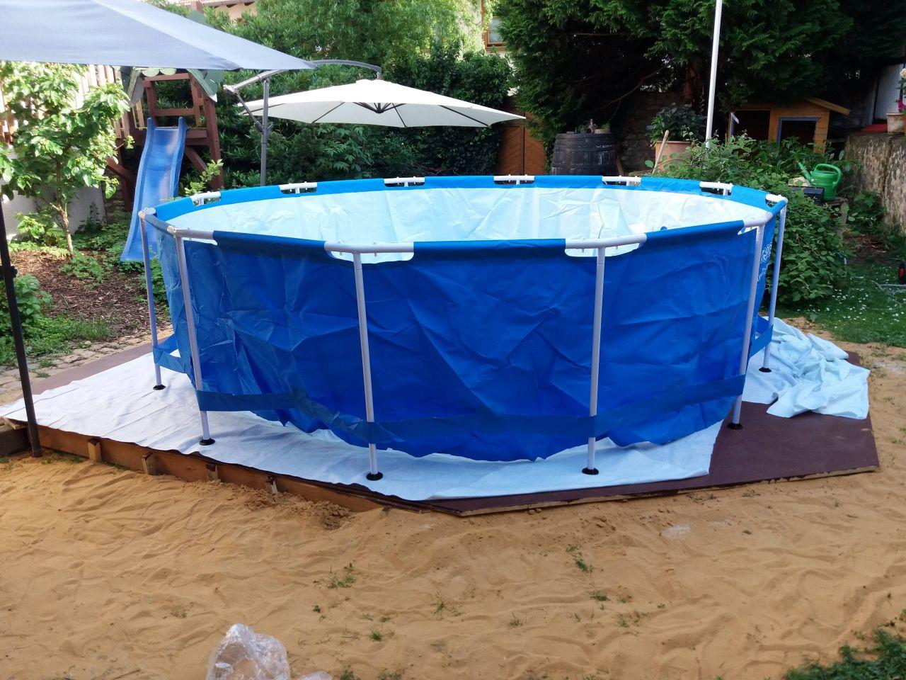 Full Size of Pool Selber Bauen Ist Cool Bauanleitung Zum Selberbauen 1 2 Docom Deine Fenster Einbauen Dusche Einbauküche Schwimmingpool Für Den Garten Bodengleiche Wohnzimmer Pool Selber Bauen