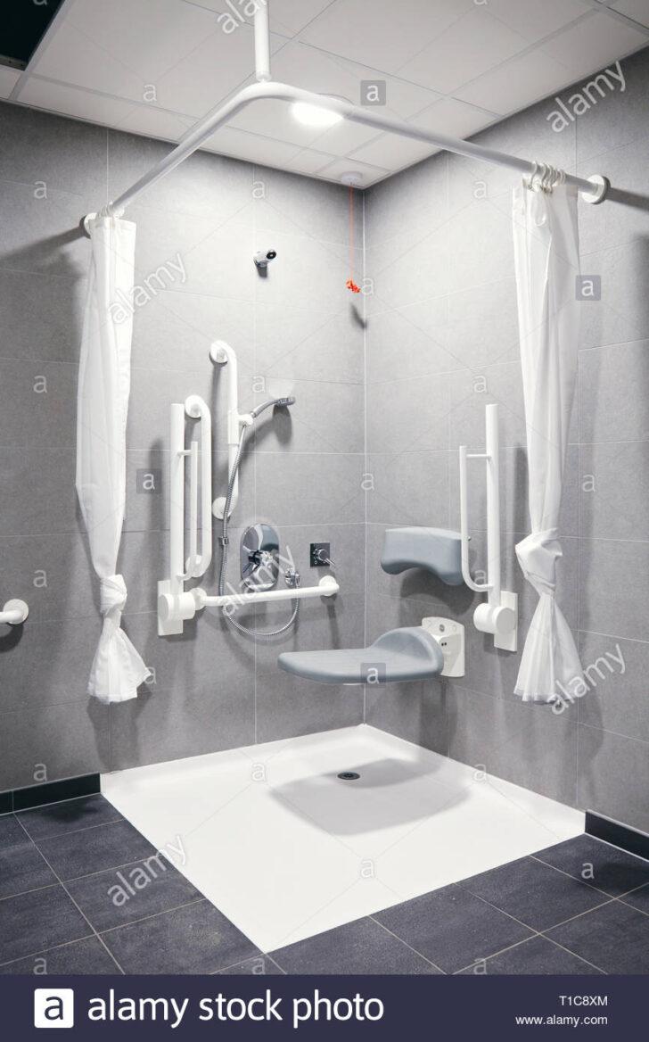 Medium Size of Behindertengerechte Dusche Zimmer Am Arbeitsplatz Anlage Stockfoto Eckeinstieg Rainshower Glasabtrennung Kaufen Grohe Thermostat Einhebelmischer Schiebetür Dusche Behindertengerechte Dusche