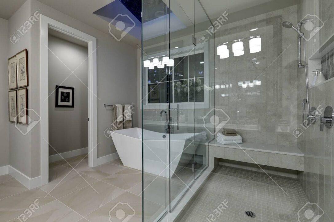 Large Size of Dusche Zu Umbauen Als Kombination Duscholux Kombiniert Villeroy Und In Einem Kosten Glaswand Erstaunlich Grau Master Bad Mit Groen Glas Begehbare Tür Bette Dusche Badewanne Dusche