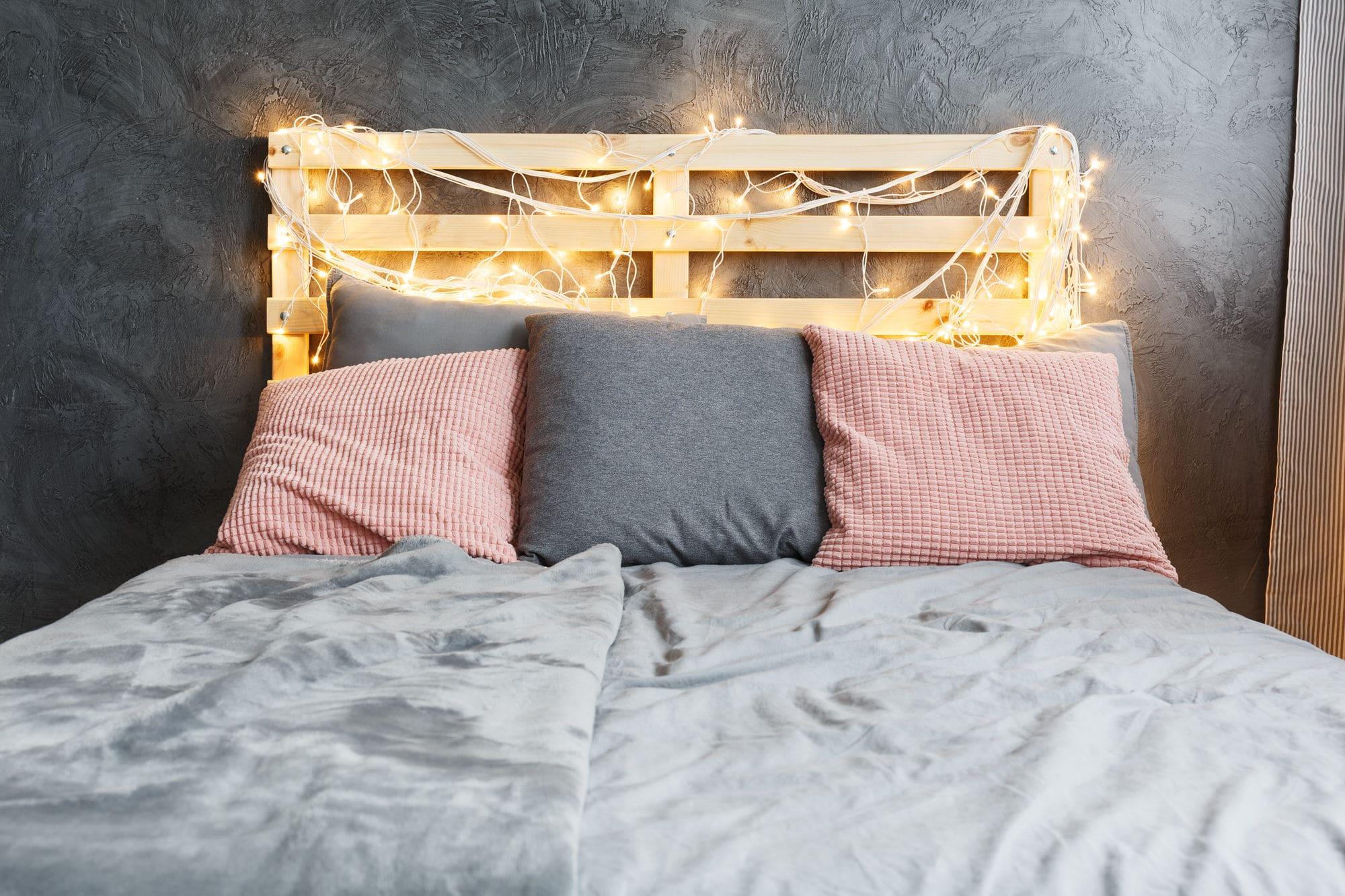 Full Size of Einfaches Bett Selber Bauen So Einfach Geht Es Heimhelden Billige Betten Tempur Weißes 90x200 80x200 Kingsize Für übergewichtige Boxspring 140x200 Weiß Wohnzimmer Einfaches Bett Selber Bauen