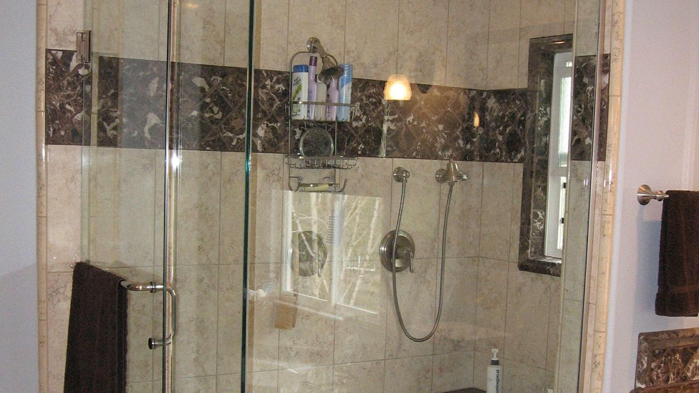 Full Size of Dusche 80x80 Glastrennwand Glasabtrennung Bodengleiche Badewanne Mit Nischentür Begehbare Duschen Kleine Bäder Glaswand Pendeltür Hüppe Wand Breuer Kaufen Dusche Glasabtrennung Dusche