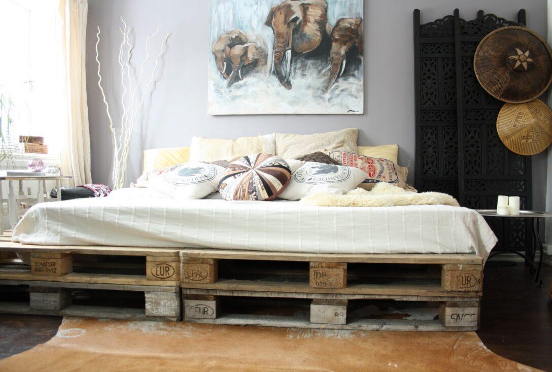Large Size of Diy Bett Aus Europaletten Als Coole Wohnidee Schlafzimmer Betten Günstig Kaufen Kopfteil 140 Rattan Himmel 220 X Einzelbett Amazon Günstige Buche Mit Wohnzimmer Europaletten Bett