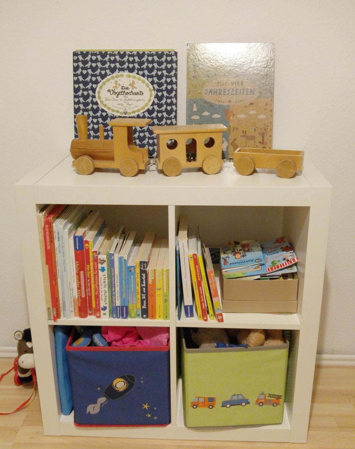 Full Size of Kinderzimmer Bücherregal Spielzeug Nachhaltig Schenken Kriterien Fr Auswahl Regale Regal Weiß Sofa Kinderzimmer Kinderzimmer Bücherregal