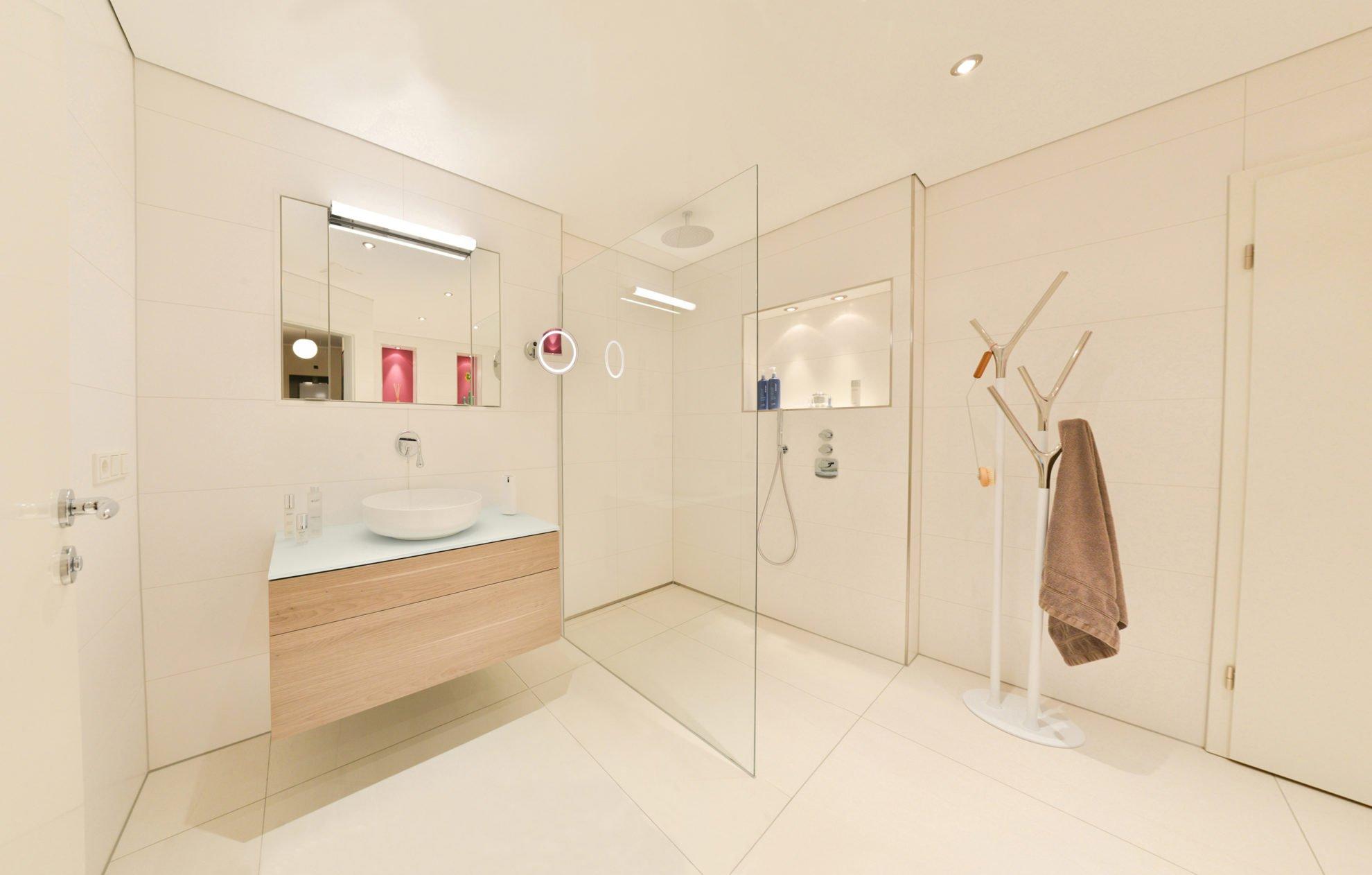 Full Size of Schulte Duschen Bodengleiche Dusche Pendeltür Bluetooth Lautsprecher Fenster Einbauen Kosten Komplett Set Badewanne Glastrennwand Bidet Moderne Hüppe Dusche Bodengleiche Dusche Einbauen
