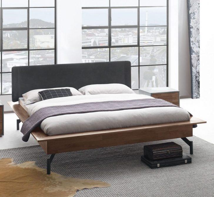 Medium Size of Bett Modern 140x200 180x200 Sleep Better Leader Beyond Pillow Eiche Design Kaufen Betten Holz Massiv 2x2m Kopfteil Moderne Landhausküche Mit Stauraum Wohnzimmer Bett Modern