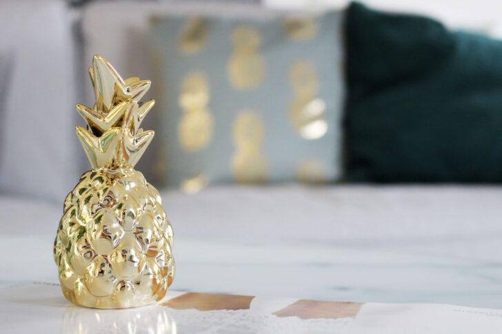 Medium Size of Wohnzimmer Dekorieren Unsere Neue Deko In Grn Gold Bilder Modern Led Deckenleuchte Schrankwand Poster Tapete Vorhänge Beleuchtung Lampen Sideboard Großes Wohnzimmer Wohnzimmer Dekorieren
