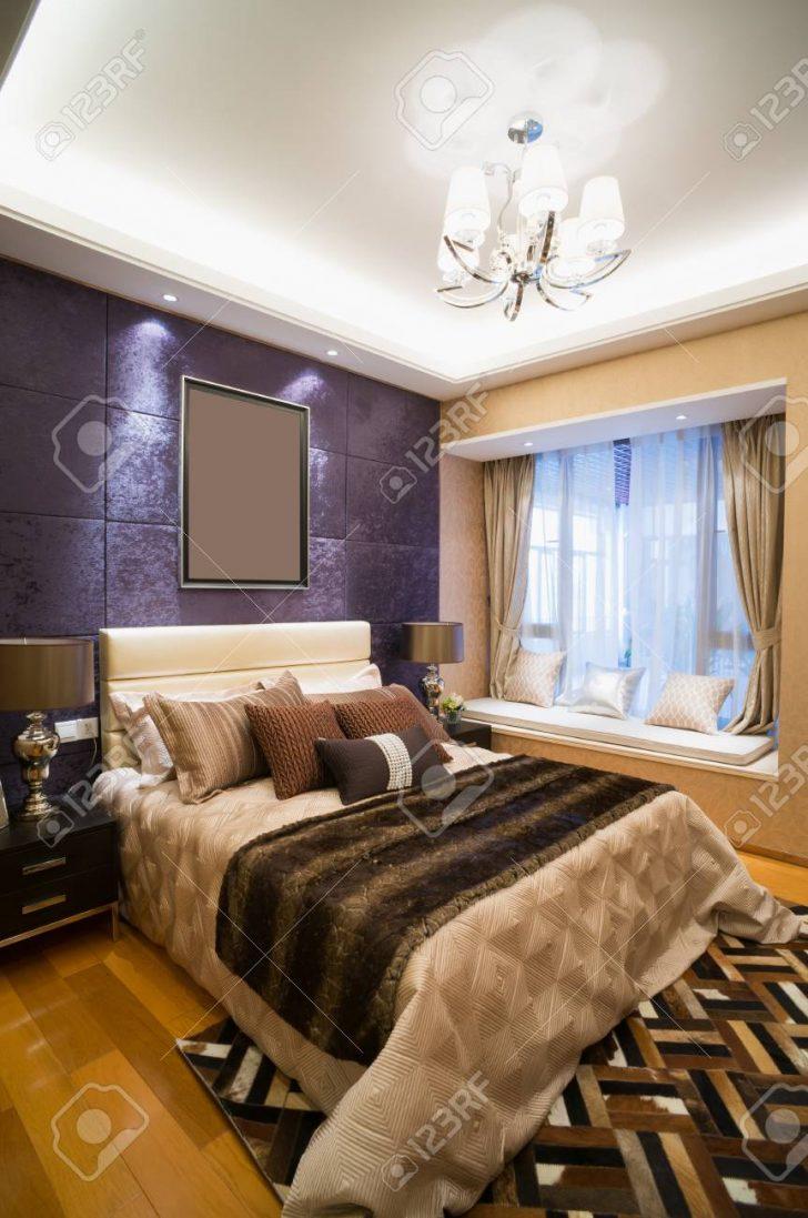 Medium Size of Schlafzimmer Luxus Mit Schnen Lizenzfreie Fotos Wandleuchte Weißes Stuhl Betten Kronleuchter Komplett Guenstig Regal Poco Lampe Teppich Lampen Landhaus Wohnzimmer Schlafzimmer Dekorieren