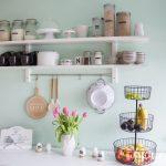 Küche Wandfarbe Wohnzimmer Küche Wandfarbe Ein Neues Kchenregal Und Das Drama Um Mint Mintgrün Sockelblende Küchen Regal Wanduhr Glaswand Modulküche Gardinen Für Die Holz Modern