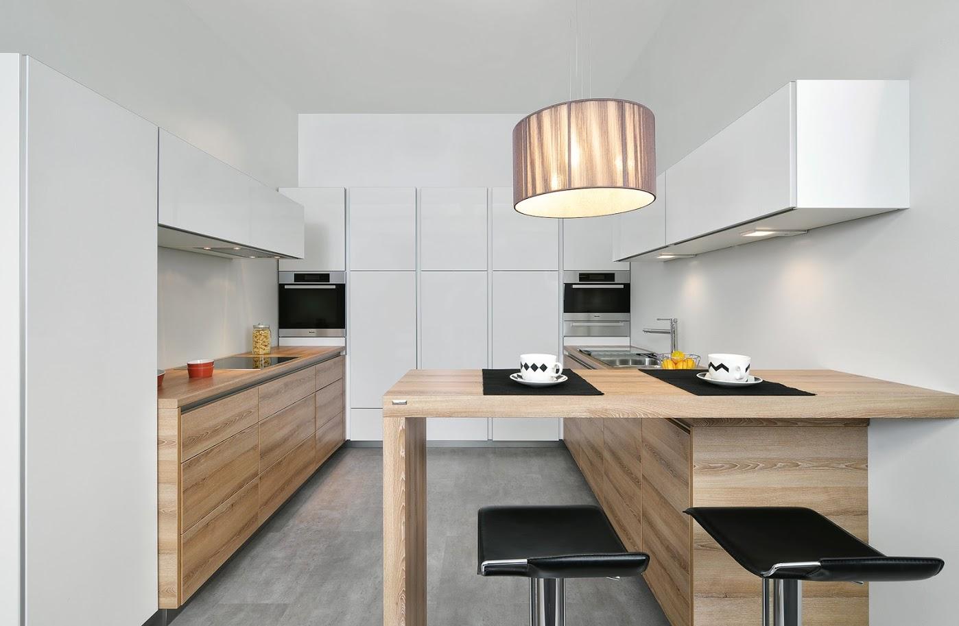 Full Size of Holzküchen Holzkchen Aus Echtholz Oder Holzdekor Auf Mallorca Montieren Wohnzimmer Holzküchen