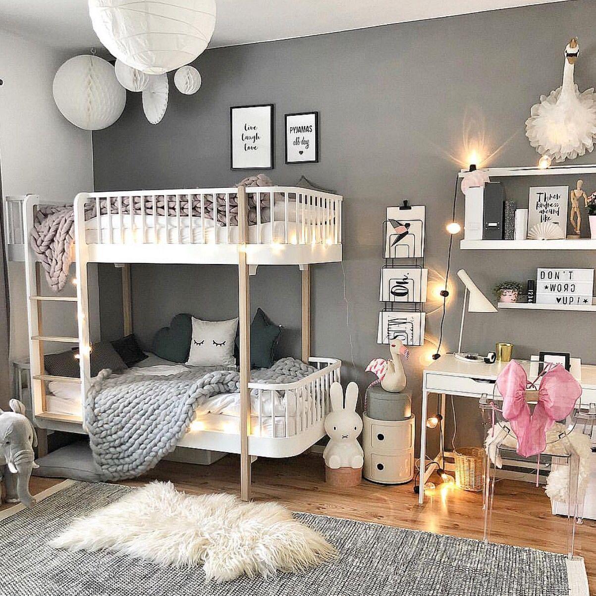 Full Size of Kinderzimmer Etagenbett Schreibtisch Grau Weiss Regal Weiß Sofa Regale Kinderzimmer Einrichtung Kinderzimmer