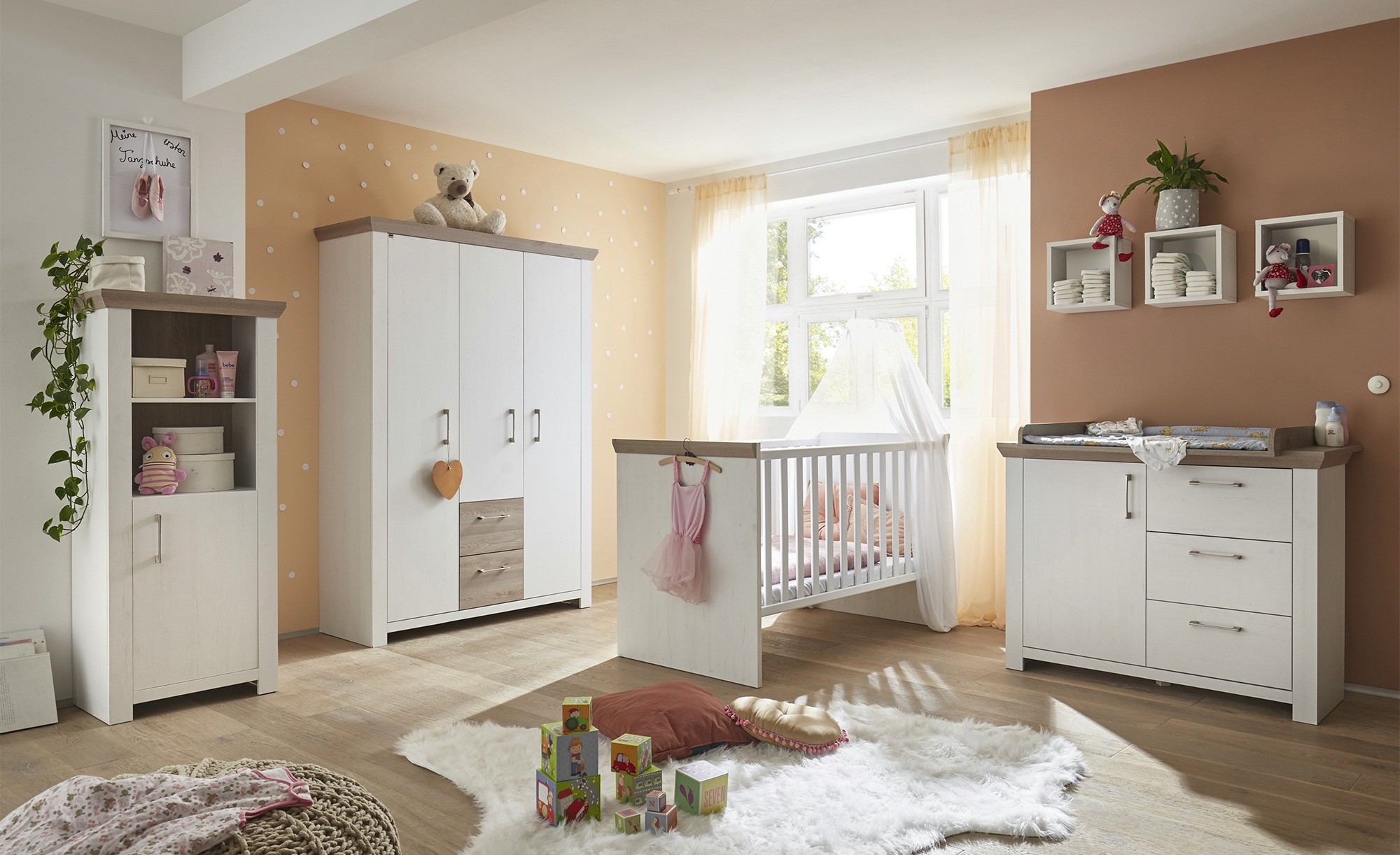 Full Size of Baby Kinderzimmer Komplett Babyzimmer Regale Komplette Schlafzimmer Günstige Guenstig Regal Günstig Bett Weiß Wohnzimmer Komplettes 180x200 Mit Lattenrost Kinderzimmer Baby Kinderzimmer Komplett