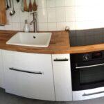 Ikea Küche Wohnzimmer Ikea Küche Pantryküche Massivholzküche Deckenleuchten Aufbewahrung Ausstellungsstück Spülbecken Nischenrückwand Aluminium Verbundplatte Landhausstil