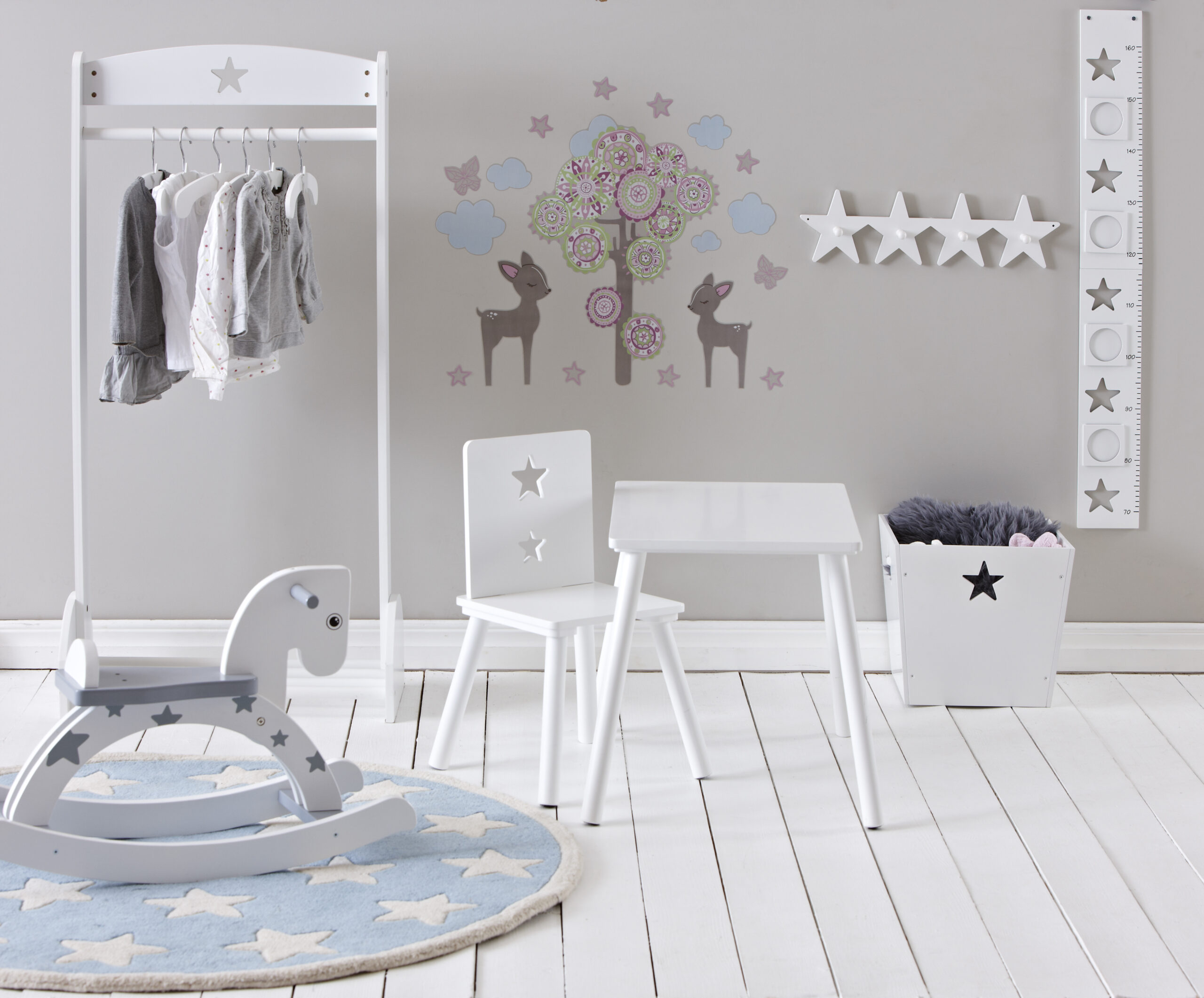 Full Size of Garderobe Kinderzimmer Kleiderhaken 4 Fach Star Wei Kidsconcept Lovely Little Regal Sofa Regale Weiß Kinderzimmer Garderobe Kinderzimmer