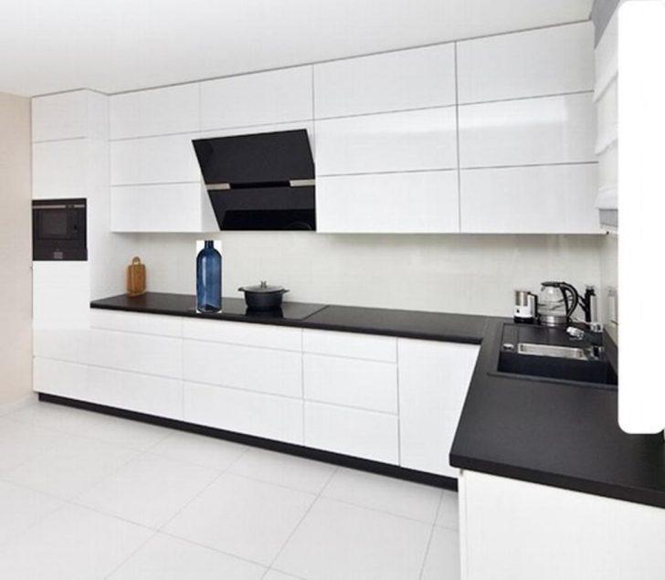 Medium Size of Küche Moderne Grifflose Kche Kchenzeile In Wei Glanz Real Modulare Obi Einbauküche Essplatz Einlegeböden Läufer Armaturen Granitplatten Abluftventilator Wohnzimmer Küche
