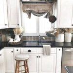 Küchenvorhänge 71 Erstaunliche Bauernhaus Kchenvorhnge Dekor Ideenbauernhaus Wohnzimmer Küchenvorhänge