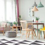 Lampen Esstisch Esstische Geometrischer Teppich Im Bunten Wohnzimmer Mit Rosa Sessel Und Esstische Ausziehbar Esstisch Eiche Massivholz Buche 160 Kleine Shabby Weiß Oval 2m Bogenlampe