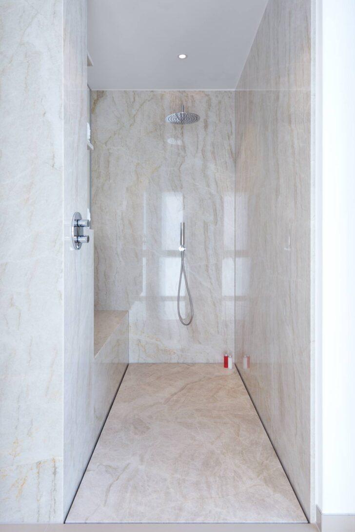 Medium Size of Moderne Badezimmer Duschen Bodengleiche Gemauert Begehbare Fliesen Dusche Ohne Kleine Bilder Ebenerdig Gefliest Fugenlose Pflegeleicht Und Puristisch Baqua Dusche Moderne Duschen