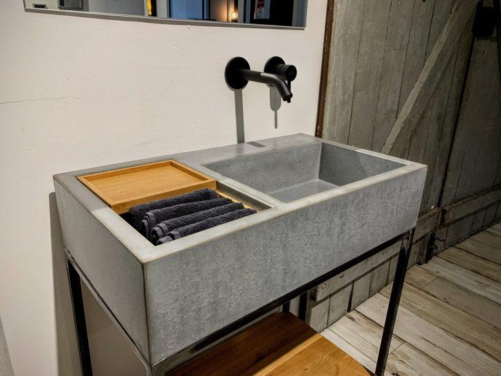 Medium Size of Outdoor Waschbecken Beton S Auf Stahluntergestell Bk Design Küche Kaufen Edelstahl Keramik Badezimmer Bad Wohnzimmer Outdoor Waschbecken