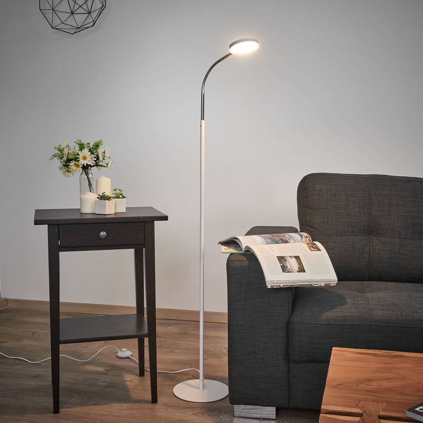 Full Size of Stehlampen Modern Led Stehlampe Milow Lampenwelt Wohnzimmer Leseleuchte Stehleuchte Moderne Landhausküche Modernes Sofa Tapete Küche Deckenleuchte Wohnzimmer Stehlampen Modern