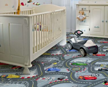 Teppichboden Kinderzimmer Kinderzimmer Teppichboden Kinderzimmer Cars 2 Von Kibek In Grau Regale Regal Weiß Sofa