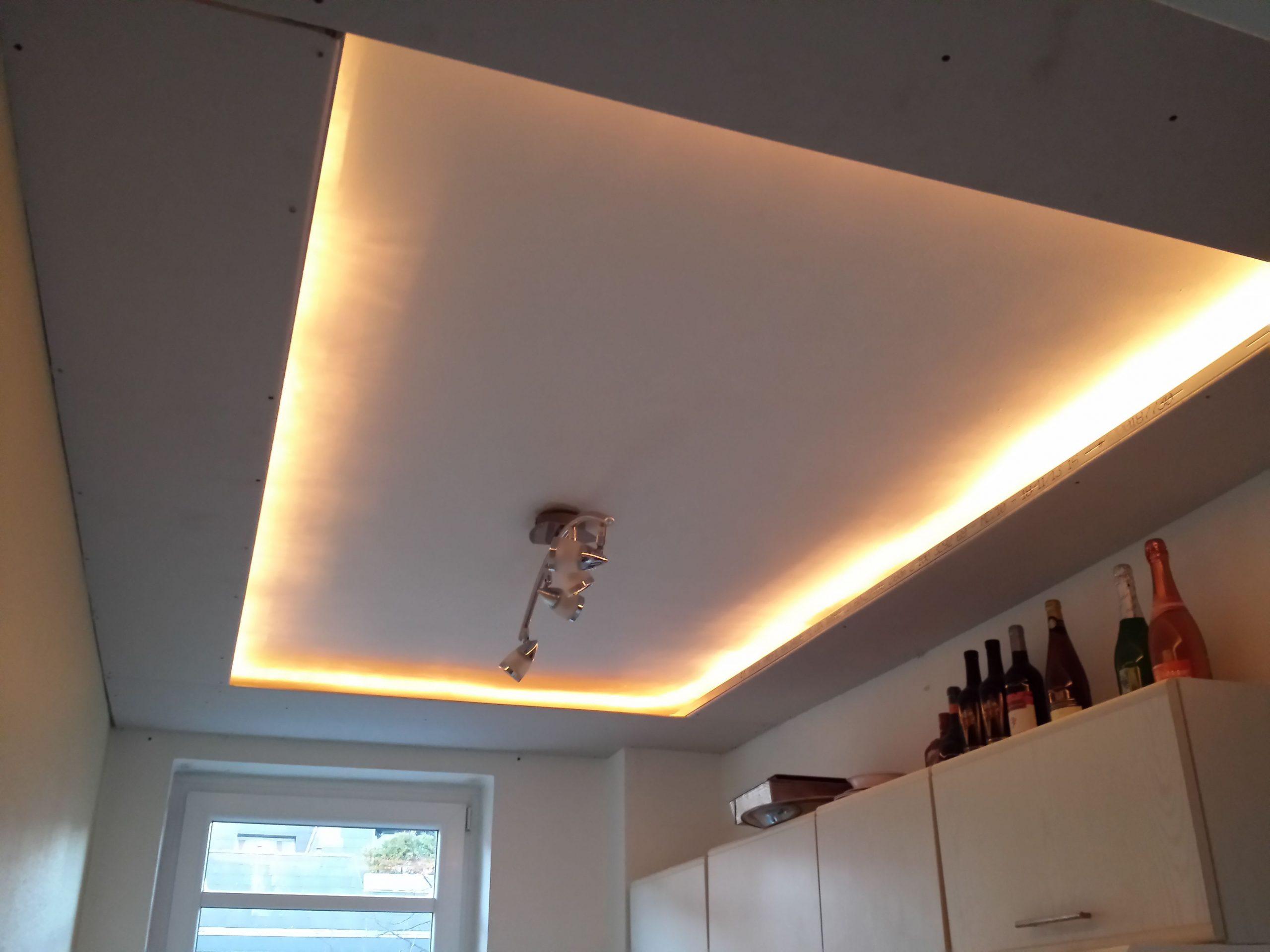 Full Size of Indirekte Beleuchtung Decke Indirektes Licht In Der Kche Wohnzimmer Led Deckenleuchte Deckenlampen Modern Weihnachtsbeleuchtung Fenster Deckenleuchten Küche Wohnzimmer Indirekte Beleuchtung Decke