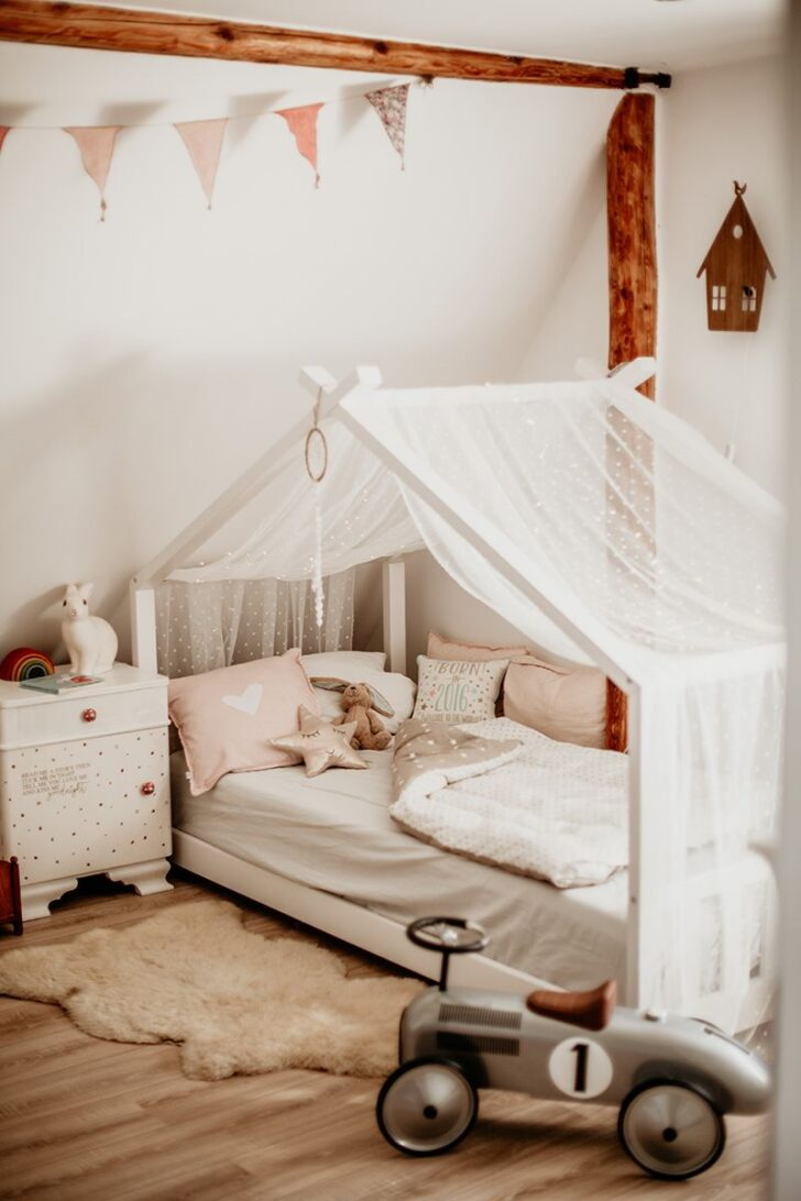 Medium Size of Kinderzimmer Fr Mdchen Hausbett Mit Sternenhimmel Regal Weiß Regale Sofa Kinderzimmer Sternenhimmel Kinderzimmer