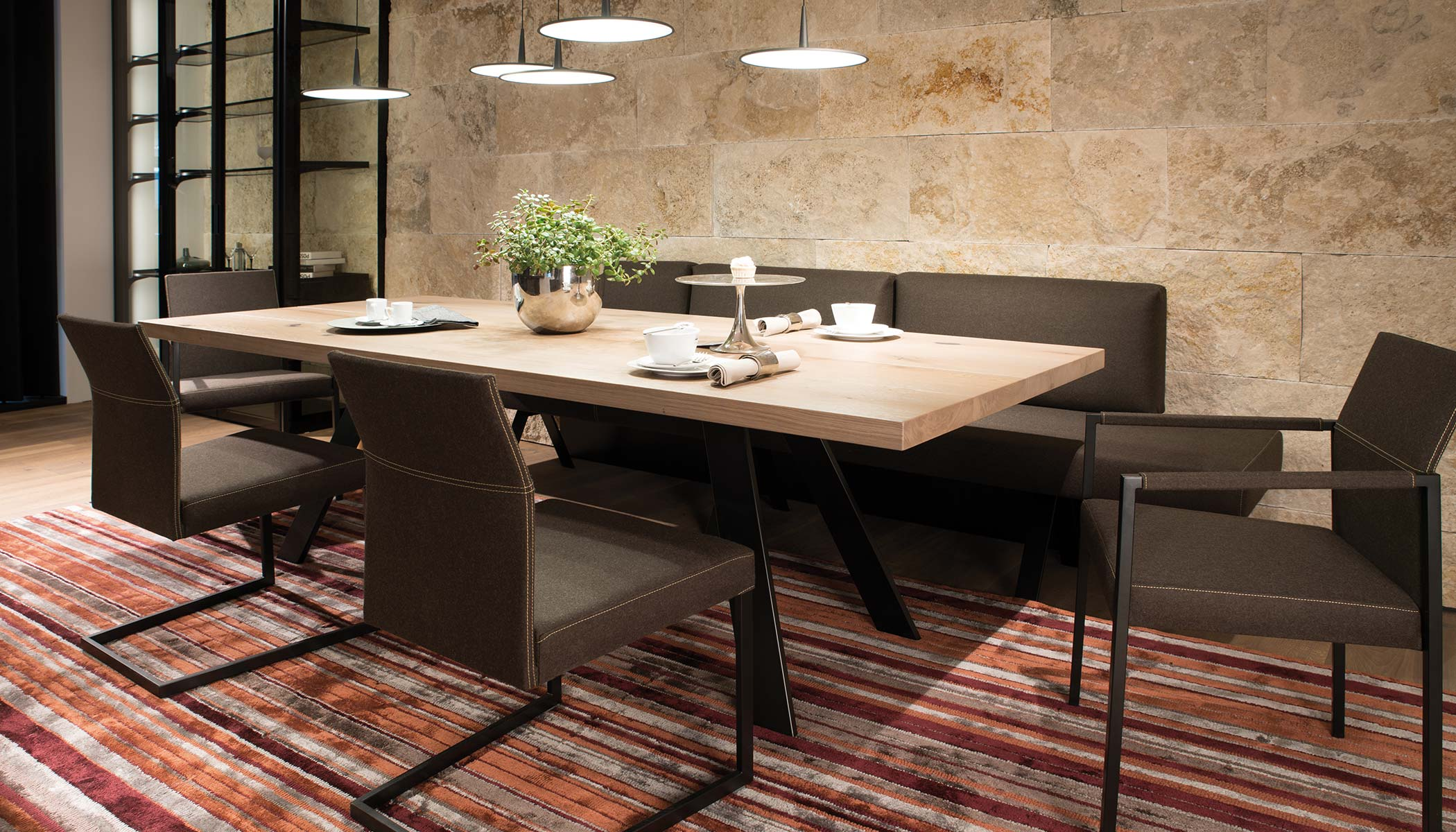 Full Size of 04 Ehl Wohnwelt Whg Essbereich 01 Esszimmer Esstisch Tisch Sessel Mit Stühlen Massivholz Ausziehbar Wohnzimmer Teppiche Und Stühle Badezimmer Teppich Modern Esstische Esstisch Teppich