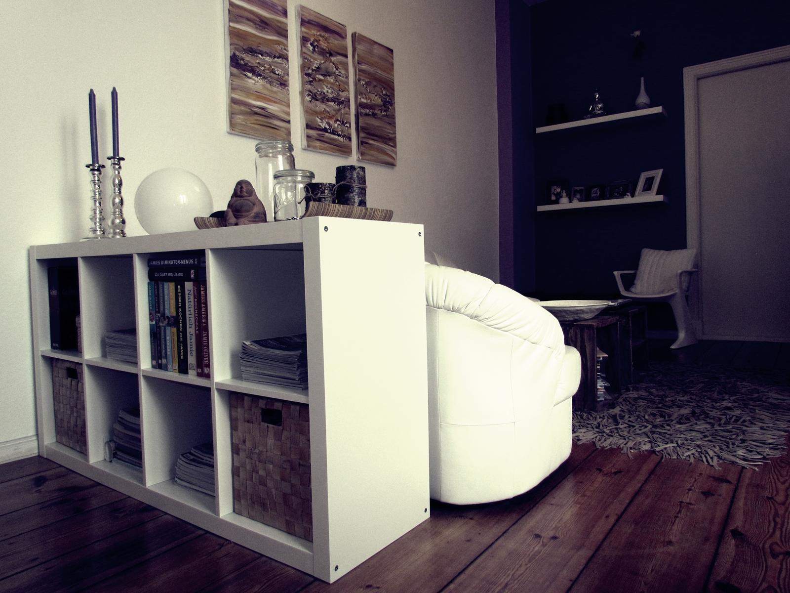 Full Size of Ikea Raumteiler Livingroom Mit Lila Akzenten Wohnzimmer Raum Betten Bei Miniküche Regal Küche Kosten 160x200 Sofa Schlaffunktion Kaufen Modulküche Wohnzimmer Ikea Raumteiler