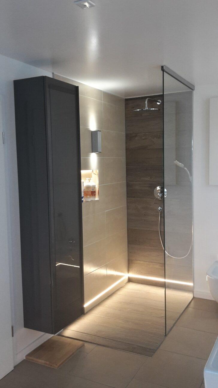 Medium Size of Moderne Duschen Gefliest Dusche Ohne Fliesen Ebenerdig Bodengleiche Gemauert Begehbare Badezimmer Mit Warmweien Led Streifen Ip65 Im Unteren Breuer Schulte Dusche Moderne Duschen