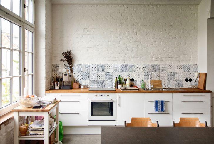 Fliesenspiegel Küche Modern Delft Bei Den Fliesen Der Vintage Servierwagen Wanduhr Kochinsel Raffrollo Kleine Einbauküche Pendelleuchten Keramik Waschbecken Wohnzimmer Fliesenspiegel Küche Modern