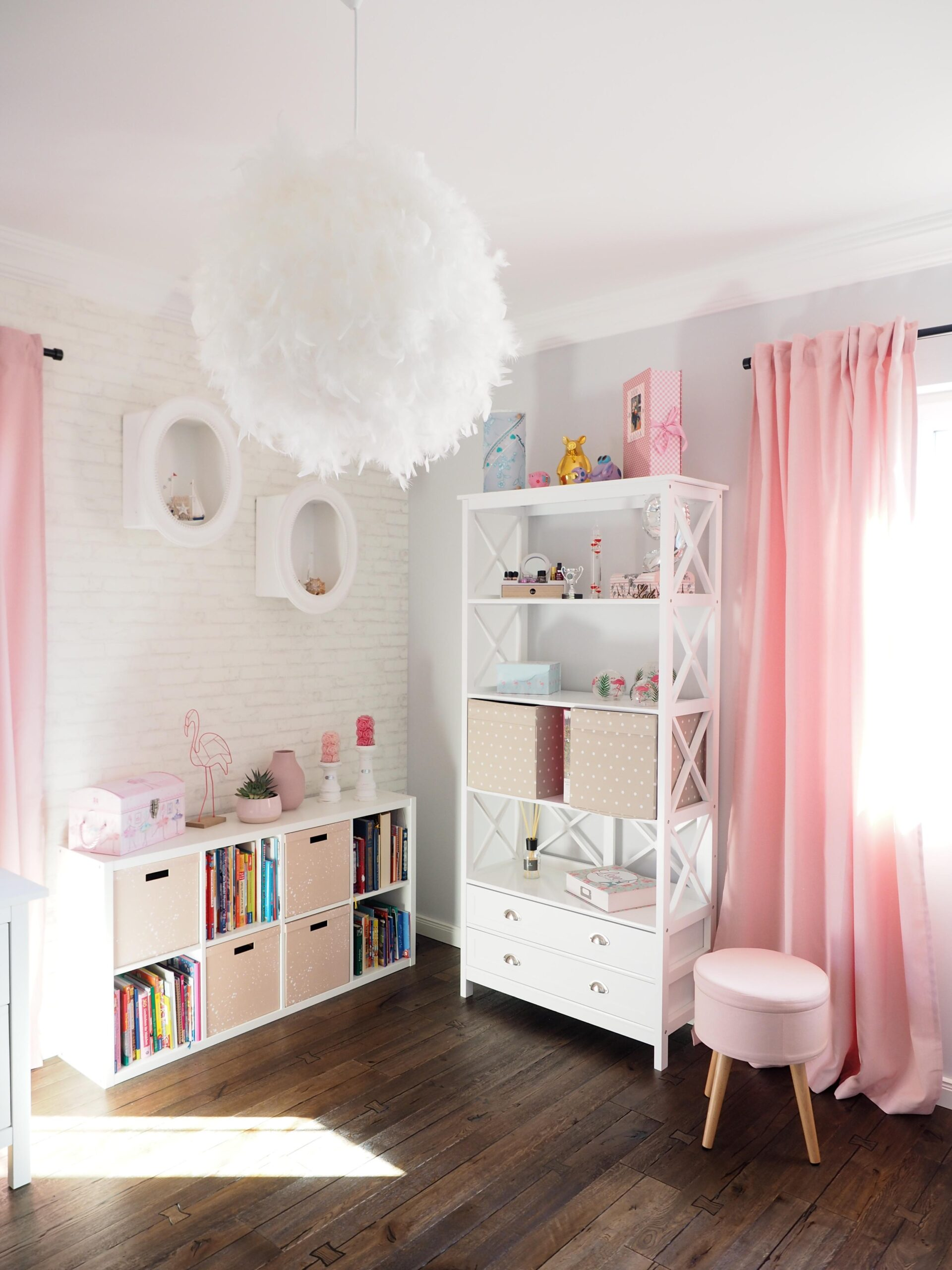 Full Size of Prinzessin Kinderzimmer Komplett Lillifee Gestalten Playmobil Jugendzimmer Bett Deko Prinzessinnen Sofa Regal Weiß Prinzessinen Regale Kinderzimmer Kinderzimmer Prinzessin