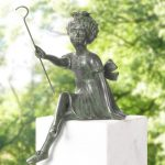 Thumbnail Size of Bronze Skulptur Hg Haus Und Garten Galerie Liegestuhl Brunnen Im Heizstrahler Spielhaus Kunststoff Wasserbrunnen Kinderspielturm Feuerstelle Holztisch Lounge Wohnzimmer Skulptur Garten