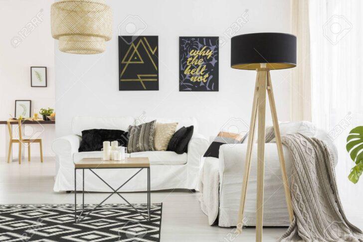 Medium Size of Wohnzimmer Lampe Trendiges Mit Weiem Sofa Tischlampe Lampen Esstisch Für Bad Led Gardinen Heizkörper Stehlampe Schlafzimmer Fürs Teppich Indirekte Wohnzimmer Wohnzimmer Lampe
